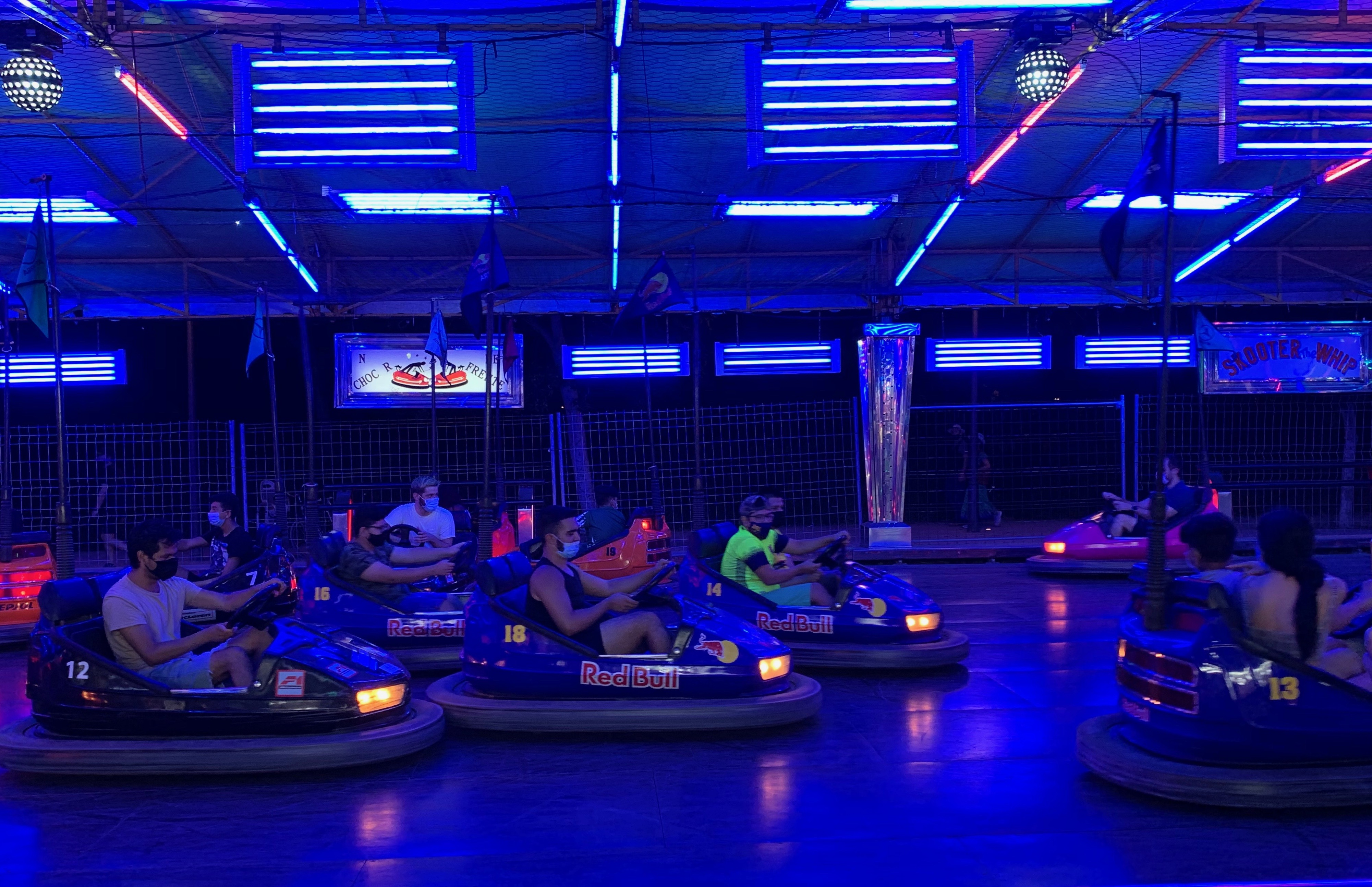 IP7bluebumpercars